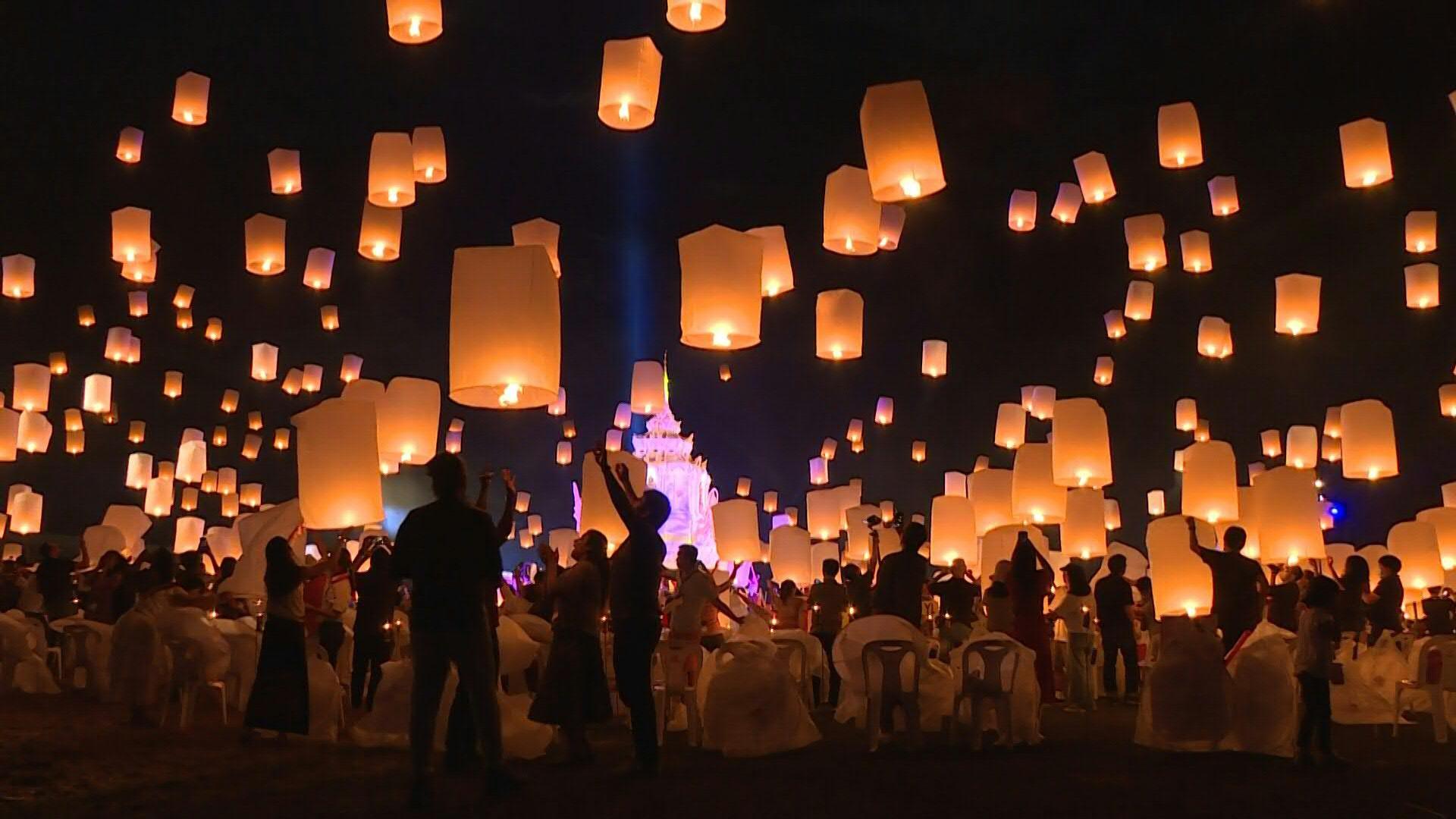 1 000 Lanterns Brighten The Sky For The Yi Peng Festival In Thailand Cgtn