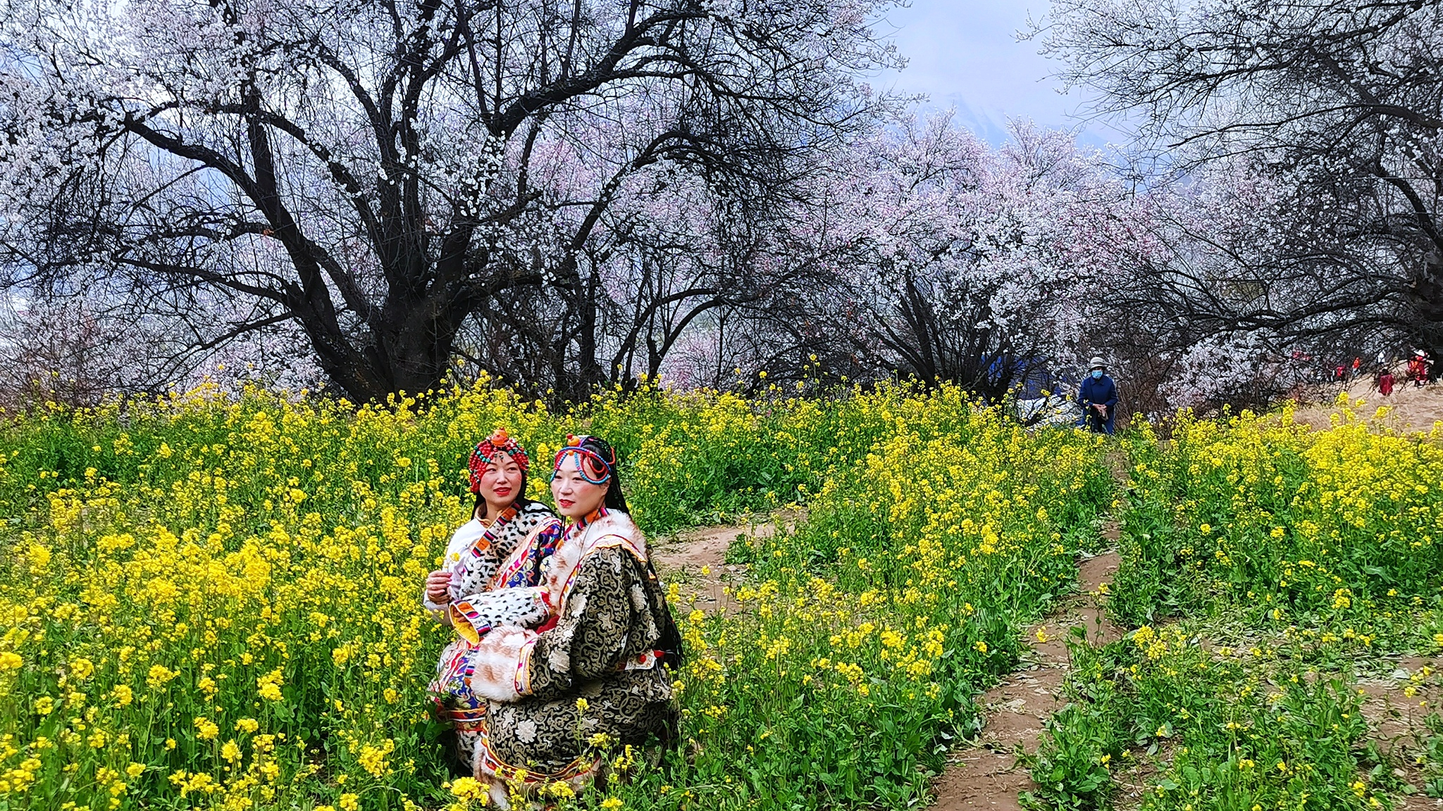 Revenge travelers boost Chinas May Day holiday as COVID-19 curbed(图3)